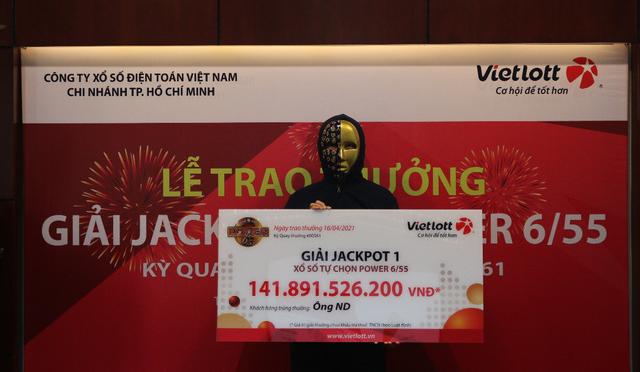 Nhân viên văn phòng tại TP.HCM trúng số Vietlott hơn 141 tỷ đồng
