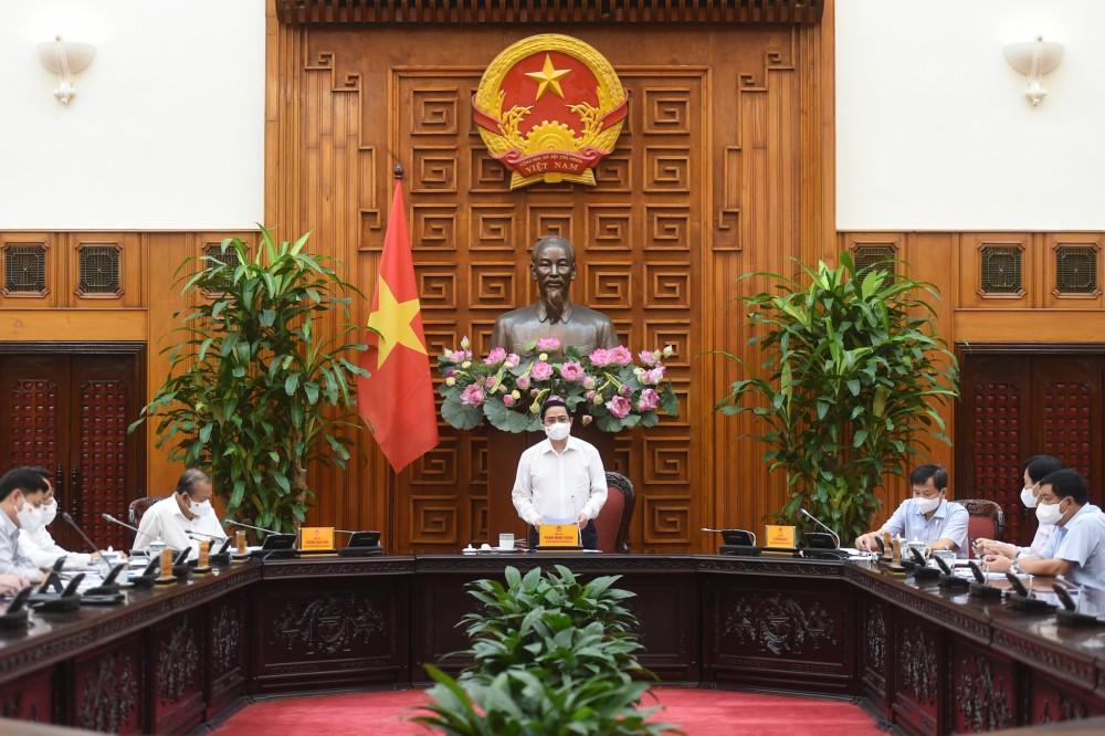 Thủ tướng yêu cầu hạn chế các sự kiện tập trung đông người & bắt buộc đeo khẩu trang ở nơi công cộng