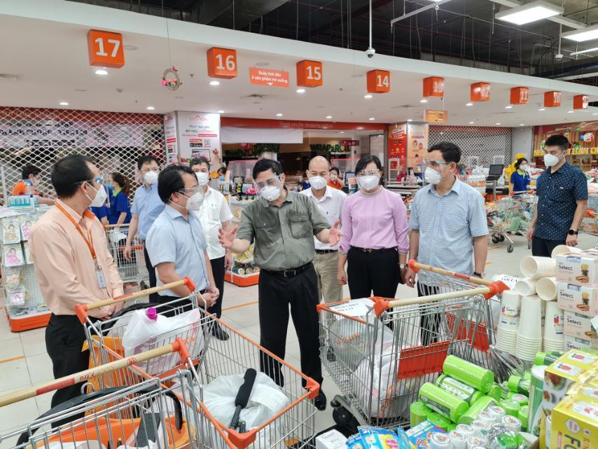 Thủ tướng Phạm Minh Chính đánh giá cao công tác chuẩn bị hàng hóa của Saigon Co.op trong cao điểm dịch COVID-19