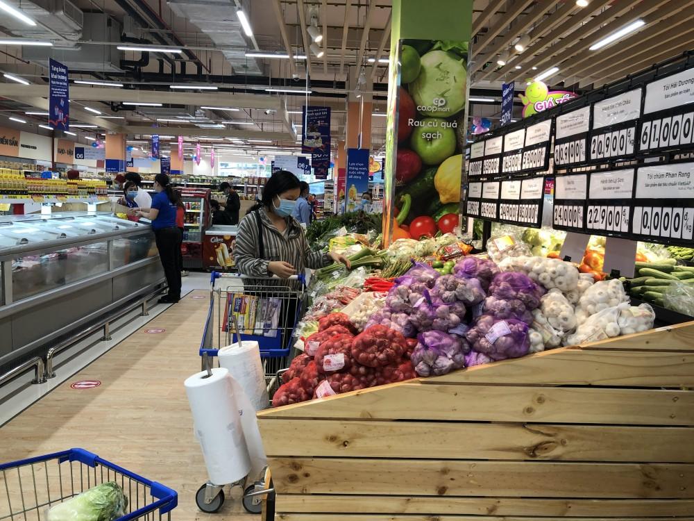TP.HCM : Siêu thị, cửa hàng tiện lợi được hoạt động từ 6 giờ đến 21 giờ hằng ngày